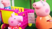 Pig George e Família Peppa Pig Fazendo Compras no Supermercado! Novelinha em Portugues KidsToys