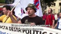 Jovens portugueses recém-formados deixam país em busca de emprego   Nações Unidas