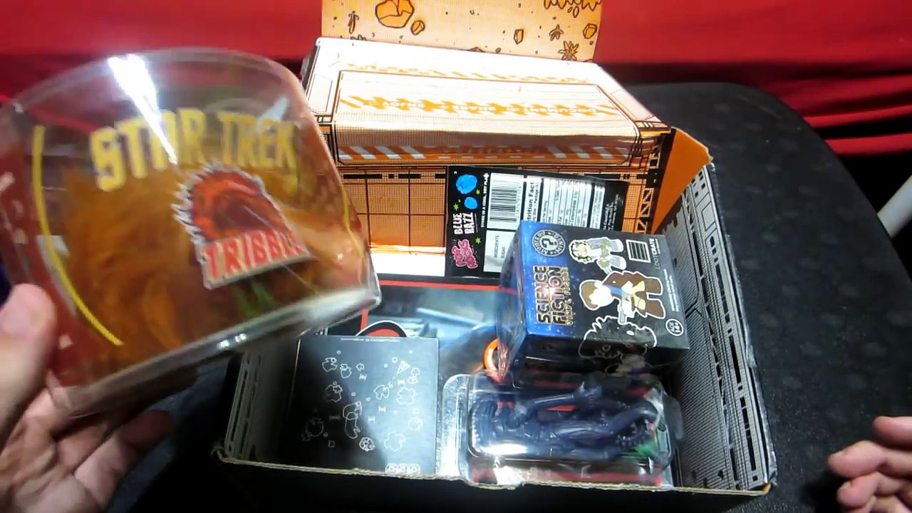 "Loot Crate Unboxing! – ""GALACTIC"" (September 2014)"