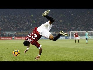 Crazy Acrobatic Show Skills In Football