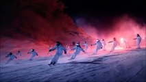 Lors de la cérémonie d'ouverture des Jeux Olympiques de PyeongChang 2018, en Corée du Sud, le fabricant américain Intel a offert un ballet aérien synchronisé en faisant voler 1200 drones. Suivant un parcours pré-programmé à l'aide d'un logiciel de design