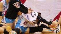 女子バレーKUROBEアクアフェアリーズ試合終了後のストレッチの様子2016.11.27柏市中央体育館