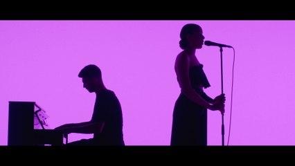 Grace Carter - Silhouette