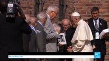 Pologne : en silence, le pape François rend hommage aux victimes du camp d'Auschwitz-Birkenau