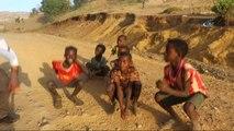 Etiyopyalı Çocukların İlginç Pet Şişe Dansı - Dağ Yollarında Çocuklar, Boş Pet Şişe Alabilmek İçin...