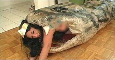 Breaking News: Snake prank with Indian actress Nargis Fakhri