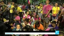 Thailand: Black-clad Thais mourn revered King Bhumibol Adulyadej