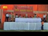 फैज़ाबाद के रुदौली में बाढ़ पीड़ितों को मदद बांटने के बाद सभा को संबोधित करते मुख्यमंत्री योगी
