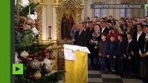 Vladimir Poutine célèbre le Noël orthodoxe à Saint Petersbourg