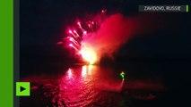 Voler au-dessus de l'eau : les amateurs de Flyboard éclairent le ciel dans la région de Moscou