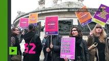 Journée des droits des femmes : féministes et militants de gauche défilent à Paris