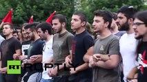 Des manifestants à Athènes appellent le peuple à voter «Non» au référendum du 5 juillet