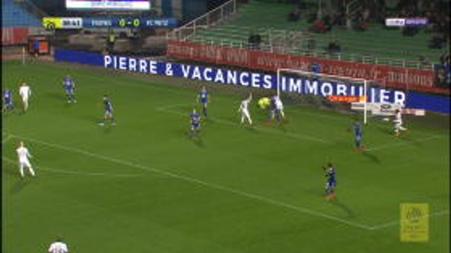 Ligue 1: Zelazny's amazing triple save earns Troyes three points