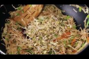 Veg Hakka Noodles _ Quick Easy To Make Noodles Recipe _ Popular Chinese Dish