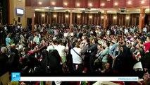 عمدة طهران يهاجم الفشل الحكومي ويستقطب الشباب الإيراني في حملته الانتخابية