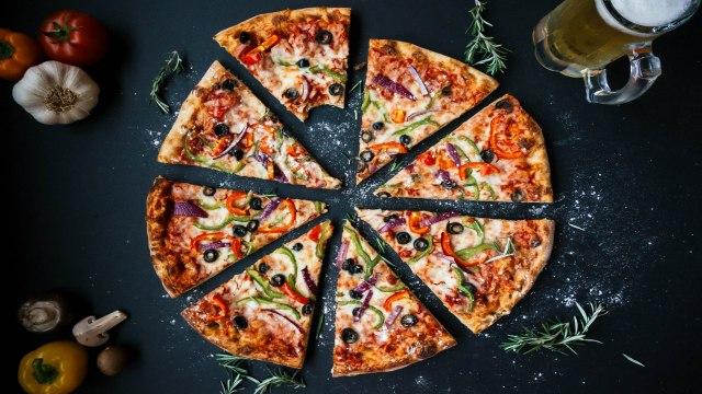 Pizza Margherita & Panino Di Pizza with Roberto Donna (In Julia's Kitchen with Master Chefs)
