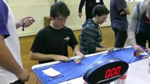 9,05 s Feliks Zemdegs Record du monde 3x3x3 à une main - 16_11_2013 - YouTube