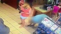 Il se fait griller en train de filmer sous la jupe d'une femme !