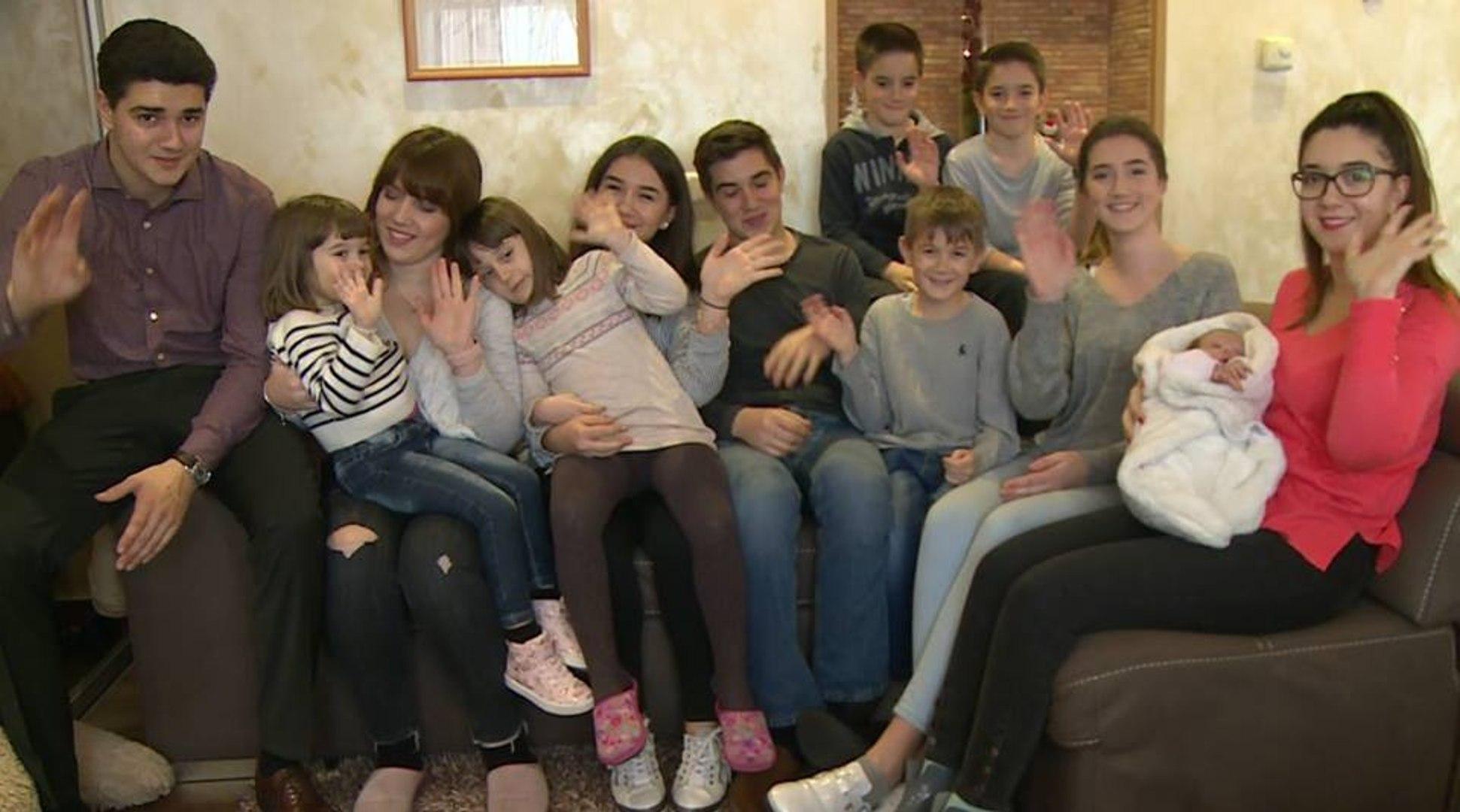 Složna i vrijedna obitelj Toljanić od čak 14 članova - video ...