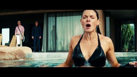 Rebecca Ferguson Hot Bikini scene With Tom Cruise At ...