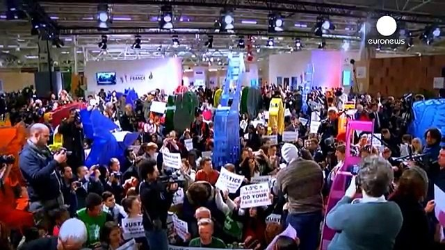 COP21 activists keep hope alive as zero hour arrives for climate deal