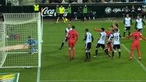 Goleiro brasileiro do Valencia faz defesa incrível no Campeonato Espanhol, assista