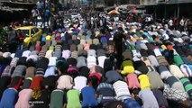 Thousands mourn Hamas commanders in Gaza