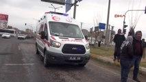Şanlıurfa-Siverek'te Araç Devrildi 2 Yaralı