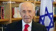 Israel's Peres showing improvement, say doctors