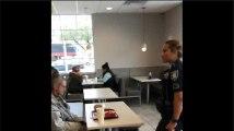 Cette vidéo d'un SDF évacué d'un McDo par la police émeut les Etats-Unis