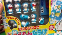 Trò chơi dùng đũa gắp Doremon tí hon thử thách cân bằng trên cỗ máy thời gian đồ chơi trẻ em