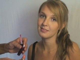 Visionnez les Cours Vidéo de Gloss � l�vre - Cours de Maquillage