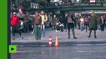 A Amsterdam, les canaux se transforment en patinoires