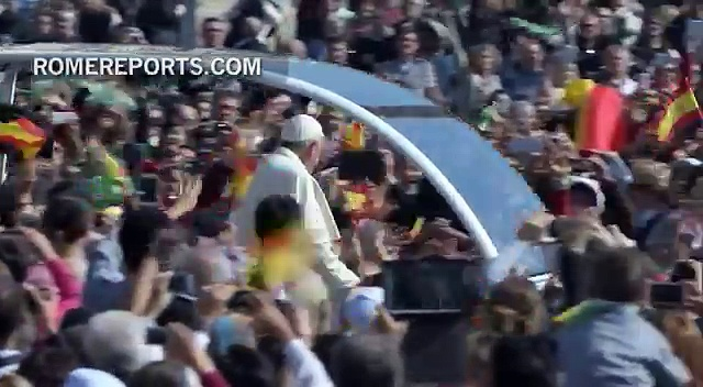 "Classic Spanish song ""Sevillanas"" played for Pope Francis after Mass"