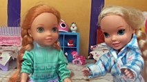 Elsia and Annia Toddlers Tooth Fairy - First Wiggly Tooth! Brushing Teeth Night Routine Barbie Dolls