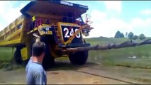 The most crazy and amazing videos compilation of heavy equipment accident around the world