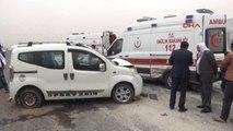 Şanlıurfa'da Ambulans ile Hafif Ticari Araç Çarpıştı 2 Yaralı