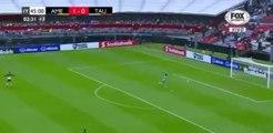 Football : L'arrêt complètement dingue du gardien Agustin Marchesin