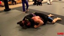 Ce Bodybuilder ne peut rien faire contre cette championne de Jiu-Jitsu
