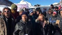 Hautes-Alpes : une centaine de personnes manifestent leur soutien aux migrants