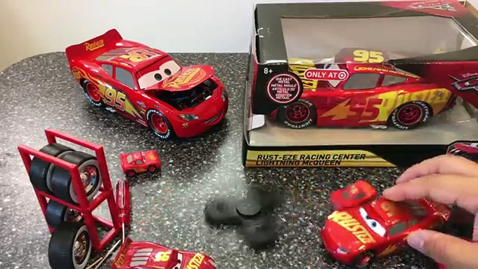 Cars 3 Toys Rust Eze Racing Center Lightning Mcqueen Jada Toys