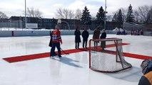 Le roi Philippe joue au hockey au Canada