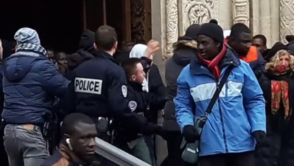 Profanation de Saint-Denis : les images de l'évacuation