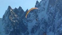 Parapente d'automne à Chamonix. (Autumn paragliding in Chamonix).