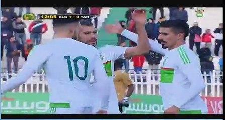 ALG – TAN : But de Baghdad Bounedjah sur passe de Mahrez