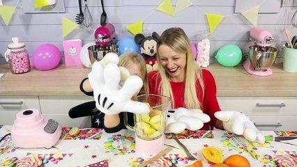 #Mickey90 _ Dans la peau de Mickey - Best-of des influenceurs [720p]