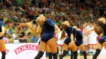 Les Pom Pom Girls de Lituanie... Jolies!!!