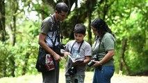 Zehnjähriger auf großer Vogelexpedition in Kolumbien