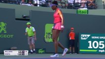 Miami - Venus Williams file en quarts