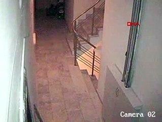 Eskişehir Kurye, pizzaya tükürürken güvenlik kamerasına yakalandı